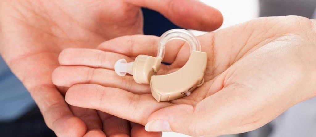 appareil auditif contour d'oreille
