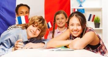Des écoliers français